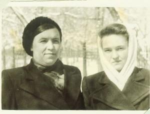 Аманжолова (Кузелева) Евгения Степановна и Людмила Миловзорова