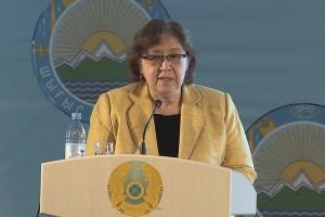32. Дочка Сарсена  Евгении Алтынай на конференции Аманжоловские чтения в 2014