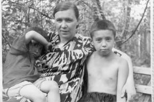 6. Алтын, Евгения и Урал 1953