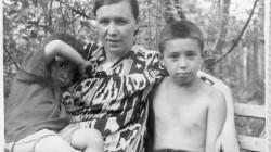 Алтын, мама, Урал 1953